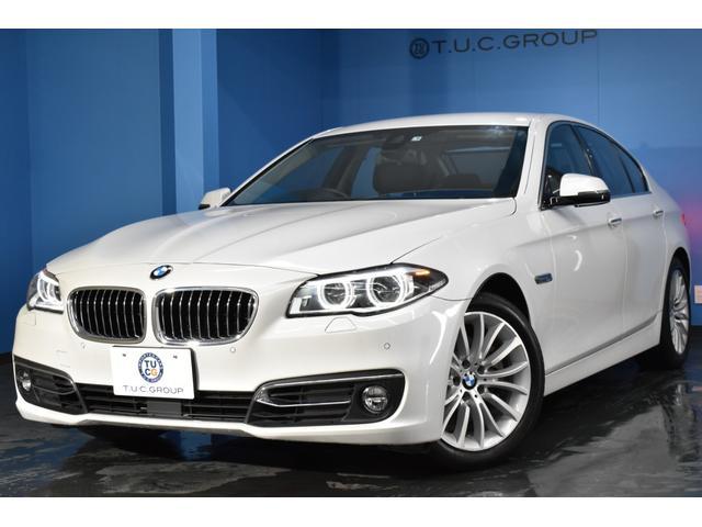 BMW 528iラグジュアリー 追従ACC レーンチェンジウォーニング LEDヘッドライト&フォグ 液晶スケールメーター ヒーター付ブラックレザー ウッドパネル タッチパッド付iドライブナビ フルセグTV スマートキー 2年保証
