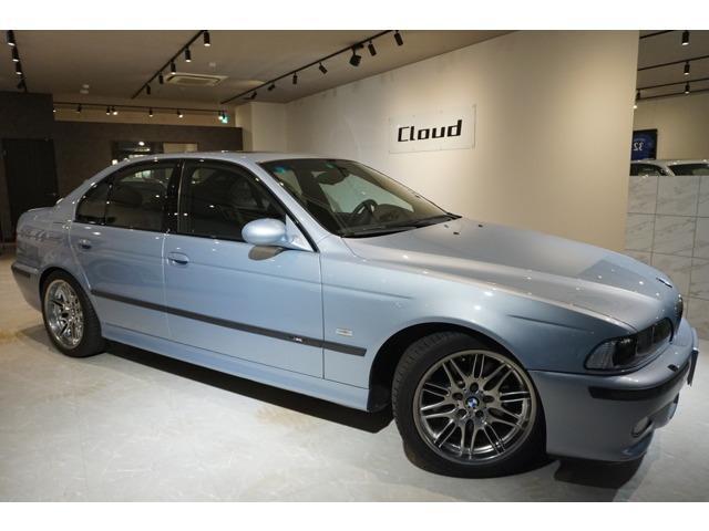 BMW M5 正規ディーラー車 4.9L NAエンジン 6MT