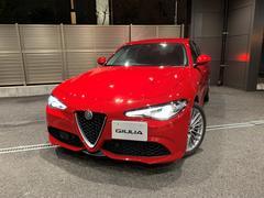 アルファロメオ ジュリアヴェローチェ 当店デモカー 新車保証継承可 CarPlay