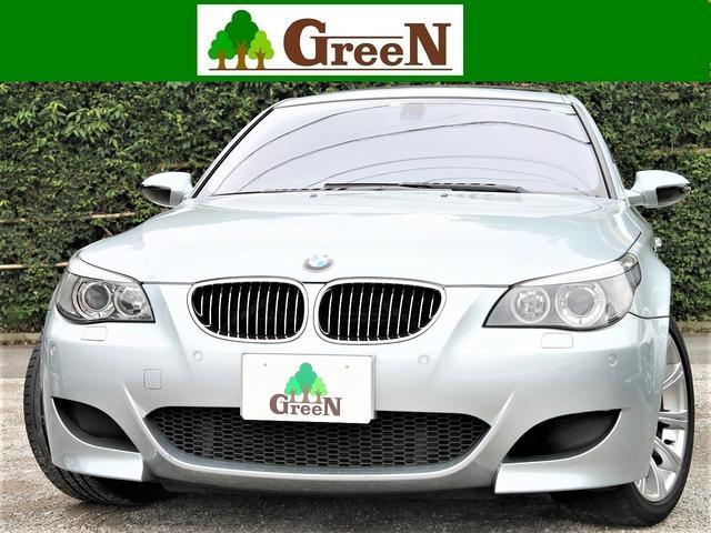 BMW M5/SMG/黒革/SR/純正HDDナビ/エアロ/19AW