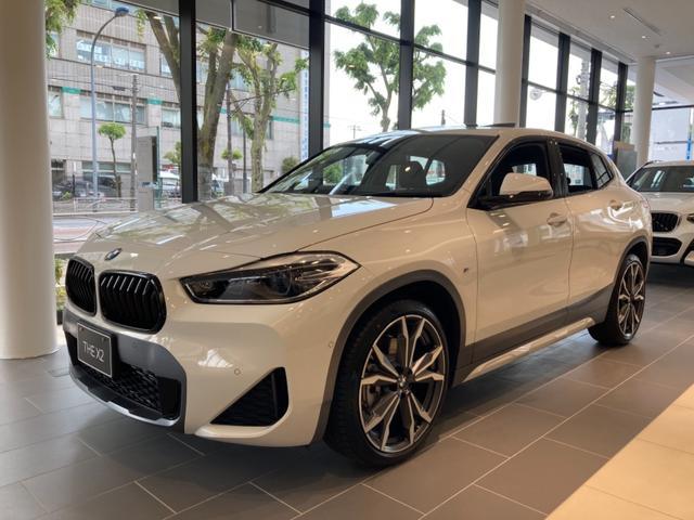 X2(BMW)xDrive20dMスポーツXEDジョイ+ハイライP パーフォレーテッドダコタレザーモカ セレクトパッケージ 電動パノラマガラスサンルーフ ラゲージパーティションネット HiFiスピーカーシステム NEWPACKAGE ヘッドアップディスプレイ 中古車画像