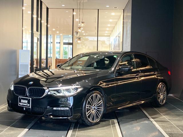 BMW 523d Mスポーツ デビューパッケージ LEDヘッドライト ヘッドアップディスプレイ ソフトクローズドア ジェスチャーコントロール パーキングアシスト ハンドルアシスト アンビエントライト 弊社下取り禁煙1オーナー車