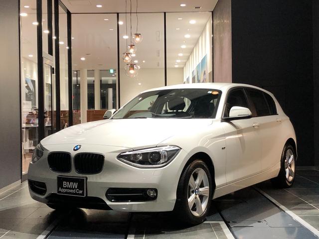 BMW 116i スポーツ 社外ドラレコ 禁煙車 弊社下取り 1オーナー 後方センサー バックカメラ インテリジェントセーフティー CD/DVD 黒布スポーツシート(手動) マルチファンクションステアリング HID