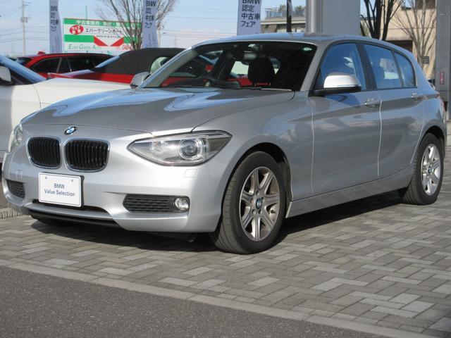 BMW 1シリーズ 116i 1.6Lターボエンジン 8速AT 社外ナビゲーション 社外リアビューカメラ ETC 16インチアルミ CDラジオ オートエアコン イモビライザー アイドリングストップ 禁煙車