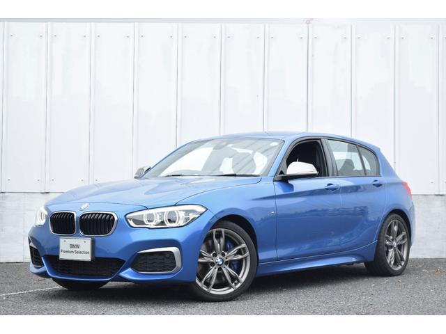 BMW 1シリーズ M140i ワンオーナー 黒レザー 社外ドラレコ&レーダー探知機 純正ナビ 被害軽減ブレーキ 車線逸脱警告 クルコン シートヒーター 電動シート 前後障害物センサー バックカメラ コンフォートA LEDライト