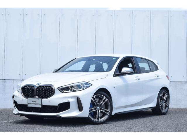 BMW M135i xDrive 元弊社試乗車 純正ナビ ミラーETC 被害軽減ブレーキ 車線逸脱・変更警告 シートヒーター 電動シート ACC バックカメラ 前後障害物センサー コンフォートA 電動トランクゲート LEDヘッドライト