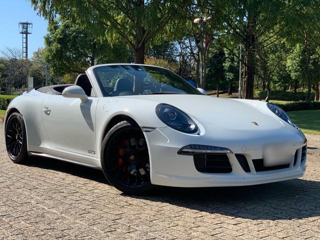 ポルシェ  911 Carrera GTS カブリオレ スポーツクロノ スポーツデザイン GTSインテリア ターボSアルミ カーマインドレッドメーターパネル バックカメラ アルカンターラレザーシートインテリア