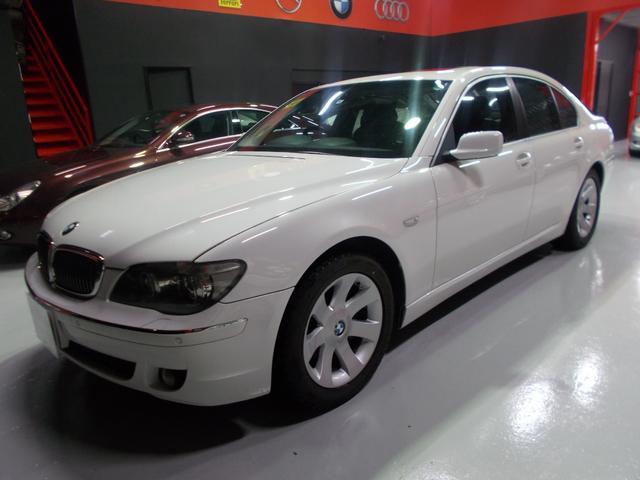 BMW 740iコンフォート サンルーフ 黒革 キセノン D整備車両