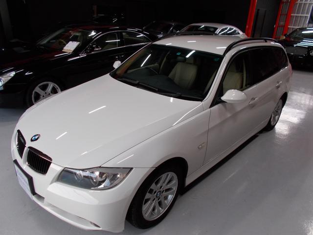 BMW 320iツーリング ハイラインパッケージ オフホワイト革内装