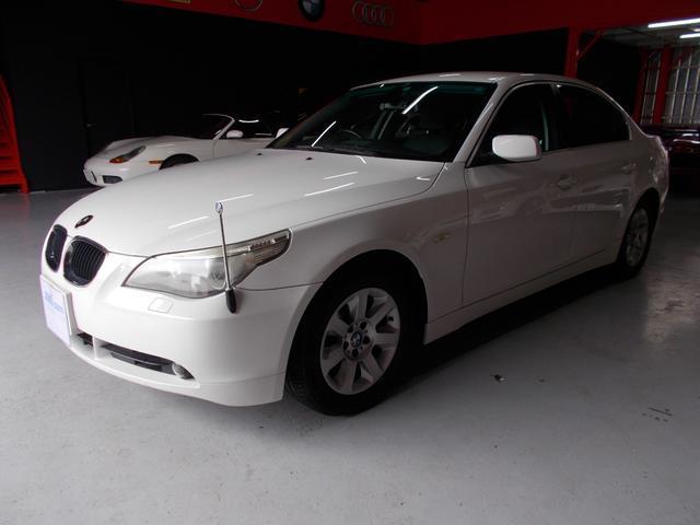 BMW 525iハイラインパッケージ キセノン 黒革 ナビ DL整備