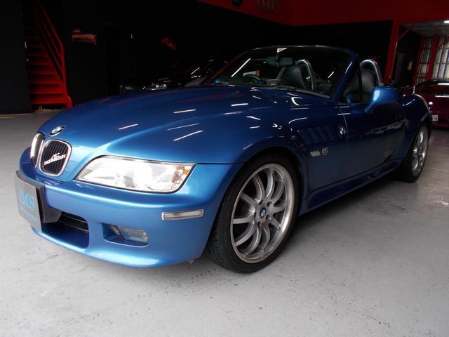 BMW 2.0 キセノン イカリング ハーフレザー18インチアルミ
