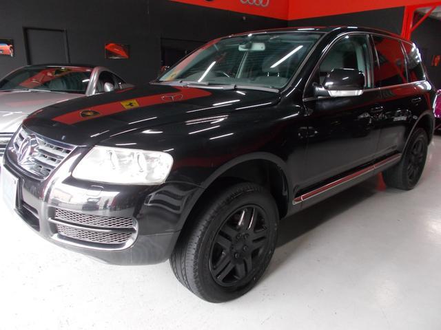 フォルクスワーゲン V6 4WD キセノン HDDナビ 18インチブラックアルミ