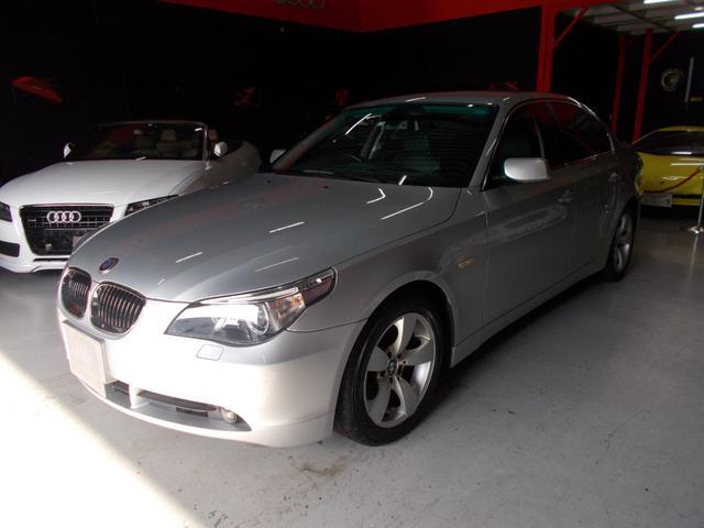 BMW 5シリーズ 525iハイラインパッケージ 1オーナーD整備 キセノンライト 純正17インチ YOKOHAMA8分山 プッシュスタート スマートキー 黒革シート 電動シート シートヒーター 純正HDDナビ クルーズコントロール ETC