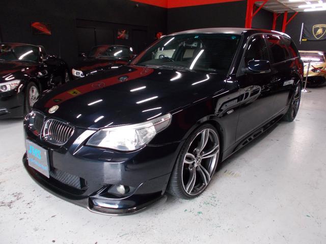 BMW 5シリーズ 525iツーリング Mスポーツパッケージ 07モデル ディーラー整備車両 整備記録簿 キセノンヘッドライト 黒革シート HDDナビ 地デジフルセグテレビ バックカメラ CD録音 DVD再生 20インチアルミ カーボンリップスポイラー