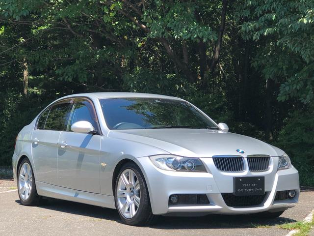 BMW 325i Mスポーツ カギ2本・プラキー・禁煙・整備記録簿・取扱説明書・ETC・パワーシート・Bカメラ・地デジチューナー・CD・AUX・オートワイパー・ダブルエアコン・キセノンヘッドライト・オートライト・純正17インチ
