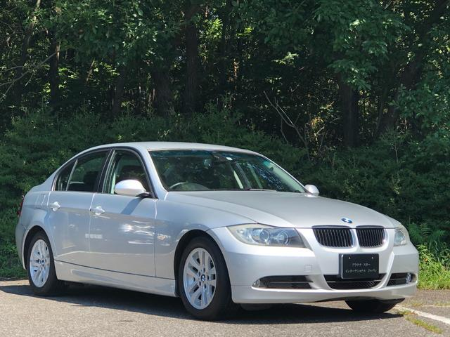 BMW 320i 走行5.1万キロ・1オーナー・カギ2本・禁煙・・整備記録簿・取扱説明書・ナビ取扱・HDDナビ・DVD・AUX・ETC・パワーシート・オートワイパー・Wエアコン・キセノン・オートライト・純正16インチ