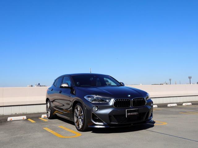 BMW X2 M35i 走行1600km シュニッツァーフロントリップ&トランクスポイラー&リアディフューザー&バンパープロテクション H&Rスプリング 20インチアルミ パノラマサンルーフ