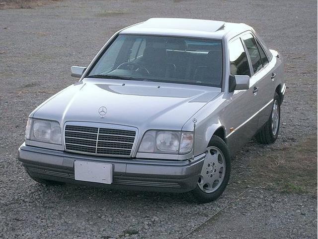 メルセデス・ベンツ E280 リミテッド ブラックレザーシート サンルーフ