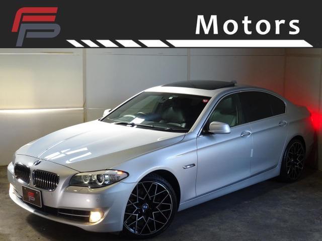 BMW 5シリーズ 535i 禁煙 HDDナビ地デジバックカメラ サンルーフ 黒革 コンフォートアクセス パドルシフト Bluetooth AUX Mタイプ新品20AW 新品タイヤ ディーラー整備 スペアキー