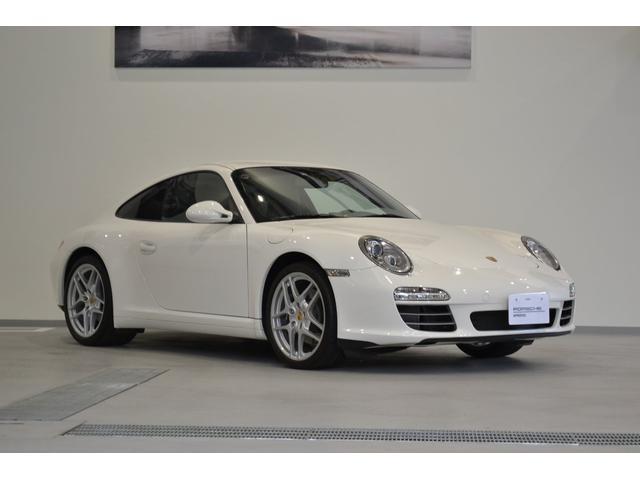 ポルシェ 911 911カレラ4 シートヒーター 19インチカレラSIIホイール ダイナミックコーナリングライト パークアシストシステム スポーツクロノ Porscheロゴヌバックレザートリム付フロアマット