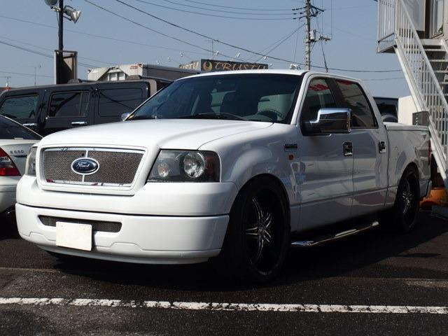 フォード XLTスーパークルーキャブ 黒革シート ローダウン