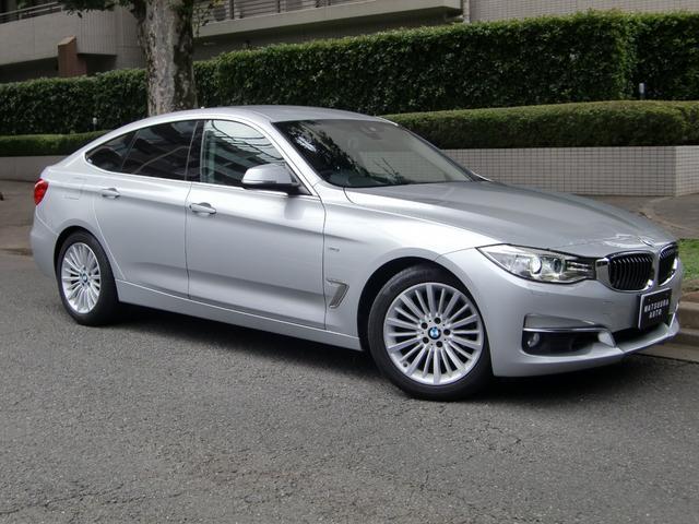 BMW 3シリーズ 320iグランツーリスモ ラグジュアリー 禁煙車 ワンオーナー 純正ナビ バックカメラ 衝突軽減レーダーセフティ 黒革シート スマートキー