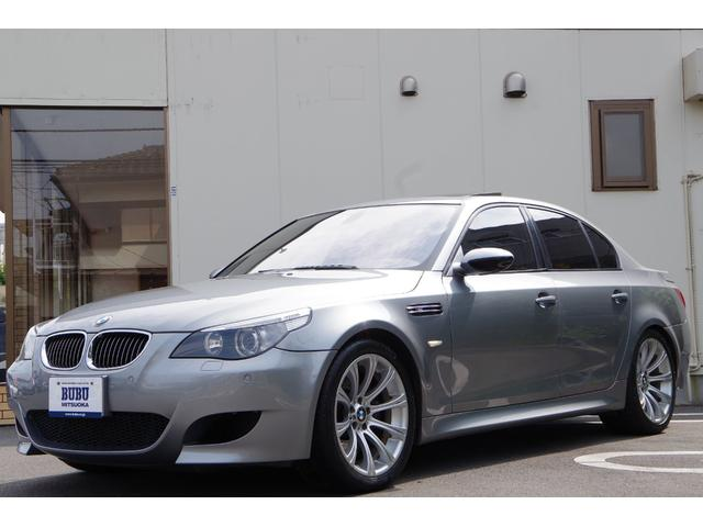 BMW M5 M5 クルーズコントロール 前後障害物センサー パドルシフト ヘッドアップディスプレイ オートワイパー 6連奏CDチェンジャー