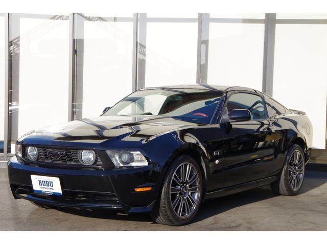 フォード V8 GTパフォーマンスパッケージ ディーラー車 レザーシート レッドレザー V8 GTクーペプレミアムベース ファイナルギアレシオローギアー化 専用19AW 専用レッドステアリング ドアトリム ホワイトストライプシート 限定25台