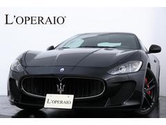 マセラティ グラントゥーリズモMC ストラダーレ 正規D車 ブラック×レッドカーボンシート