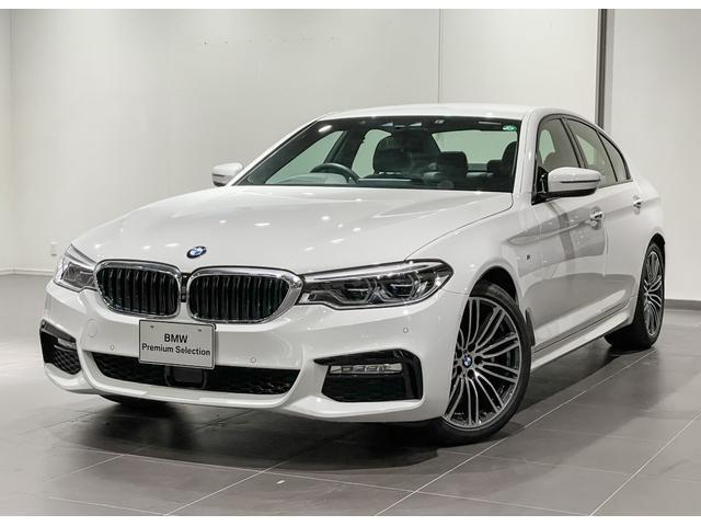 BMW 530i Mスポーツ ブラックレザー シートヒーター ヘッドアップディスプレー 地デジチューナー アダプティブLEDライト コンフォートアクセス オートトランク 電動シートメモリー付き ETC2.0