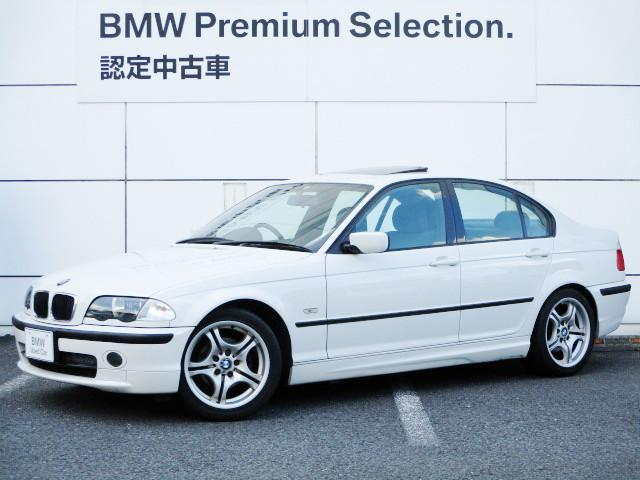 BMW 3シリーズ 318i Mスポーツ Mスポーツ専用エアロ Mスポーツサスペンション アルカンターラハーフレザースポーツシート スポーツステアリング カセットデッキ 17インチホイール サンルーフ BMW正規ディーラー認定中古車