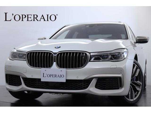 BMW M760Li xDriveリモートパーキング リアエンタメ