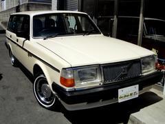 ボルボ240GLワゴン 純正色 Vマークキャップリング 白リボン