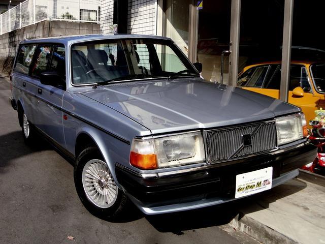 ボルボ 240GLワゴン コロナホイール ブルーインテリア 純正色