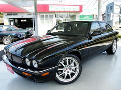 XJXJR100 ウイリアム・ライオンズ生誕100年30台限定車・2オーナー・4.0V8スーパーチャージド・専用BBS製19インチAW・ブレンボRパフォーマンスブレーキ・専用内装・コノリーレザー・プレミアムサウンド