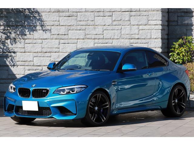 BMW ベースグレード 6速MT 後期モデル タッチパネルiDriveナビ 黒革シート アダプティブLEDヘッドライト 純正19インチAW ワンオーナー
