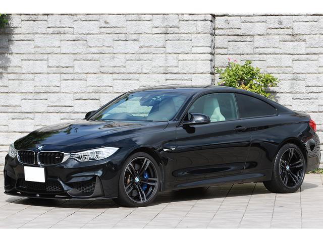 BMW M4クーペ シルバーストーンレザー OP19インチAW カーボンフロントスポイラー カーボンインテリアトリム ドライビングアシスト