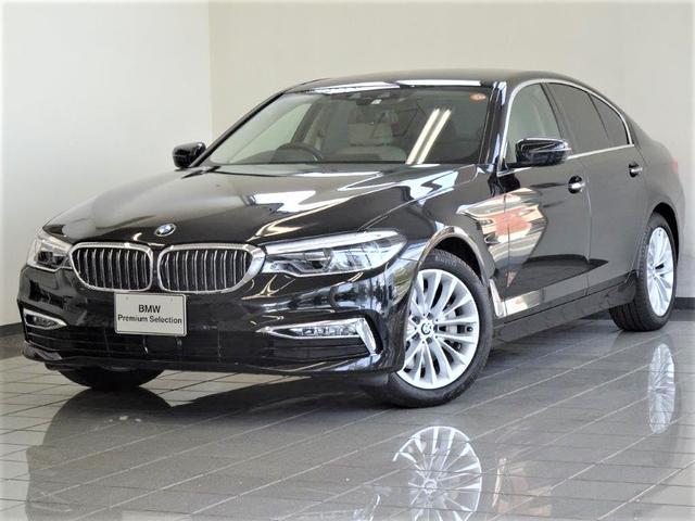 BMW 523iラグジュアリー キャンベラベージュレザー コンフォートアクセス ドライバーアシストプラス アクテイブクルーズコントロール リヤビューカメラ パーキングアシストプラス ヘッドアップディスプレー 18インチAW