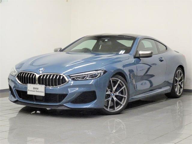 BMW M850i xDriveクーペ メリノレザータルトゥーフォ Mスポーツブレーキ Mカーボンファイバールーフ BMWディスプレイキー BMWレザーライト アクティブクルーズコントロール パーキングアシストプラス 20インチAW
