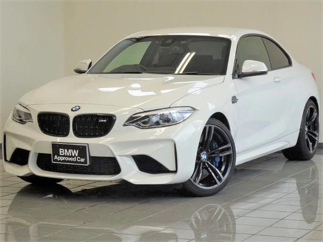 BMW ベースグレード M-DCTドライブロジック ダコタブラックレザー ブレーキ機能付きクルーズコントロール リヤビューカメラ ドライバーアシスト フロントシートヒーティング HiFiスピーカー 19インチダブルスポーク