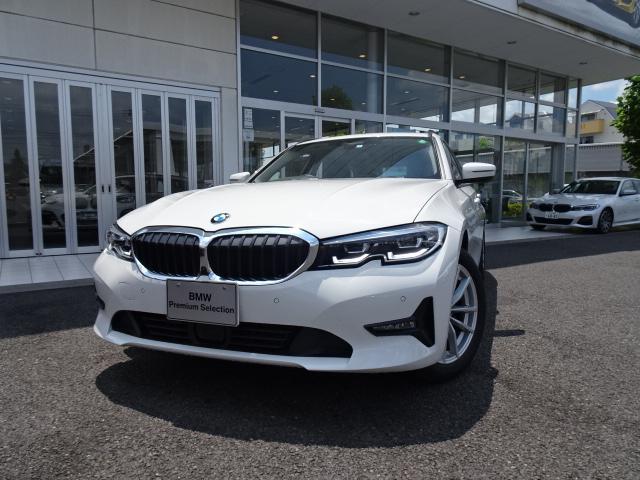 BMW 318iツーリング 高年式 新車保証付 弊社デモカー プラスパッケージ パーキングアシストプラス タッチパネル式HDDナビ フロント・サイド・バック・トップビューカメラ LEDヘッドライト LEDフロントフォグ ACC