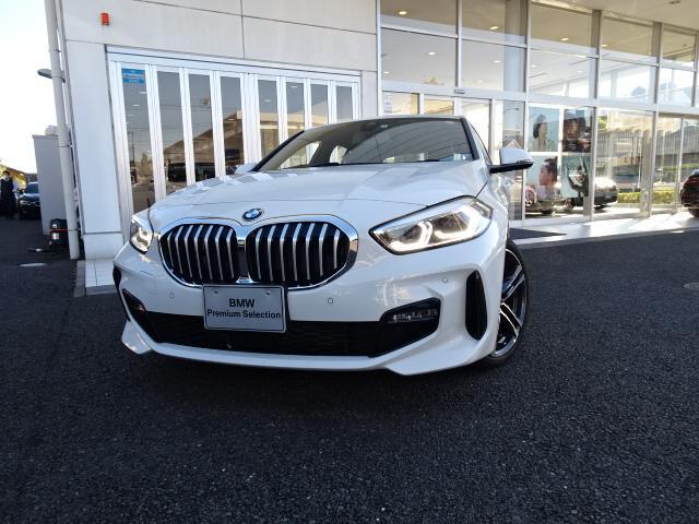 1シリーズ(BMW) 118i Mスポーツ 新車保証付 弊社デモカー ナビパッケージ コンフォートパッケージ タッチパネル式HDDナビ ACC ライブコックピット 2.0ETCミラー 電動リアゲート 18インチアルミ バックカメラ 中古車画像