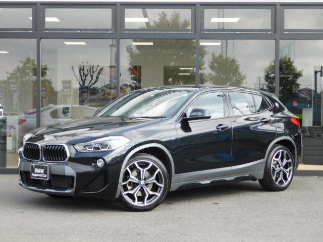 BMW  ヘッドアップディスプレイ前後PDCコンフォートアクセスLEDライト19インチアルミホイールMFSアルミトリムACC電動トランク黒革電動シートUSBシートヒーターBカメラ