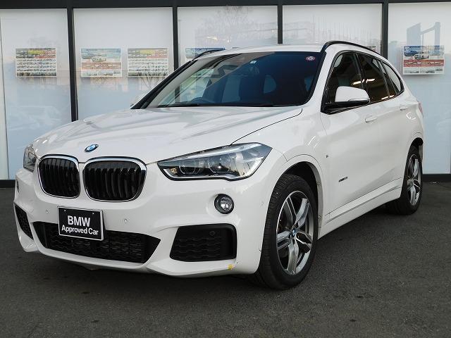 BMW sDrive 18i Mスポーツ アルカンターラスポーツシートMFSオートトランクSOSミラーETCアンビエントライト前後PDCコネクテッドドライブAUXアルミトリムUSB18インチアルミホイールLEDヘッドライトCD/DVD