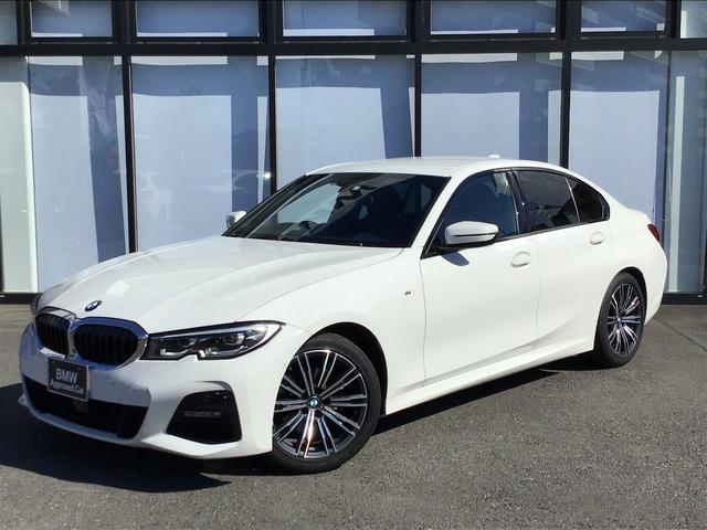 BMW 320d xDrive Mスポーツ 18インチアロイホイールLEDヘッドライト前後障害物センサーハーフレザー電動シート後退アシストパドルシフトUSBオートトランク音楽ライブラリバックカメラ