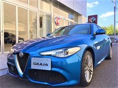 アルファロメオ ジュリアヴェローチェ 左ハンドル AWD 新車保証継承