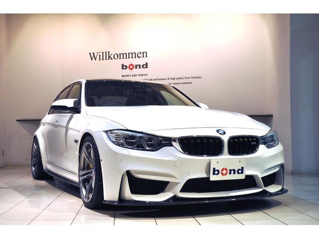 BMW M3 M3 Mカーボンセラミックブレーキ AkrapovicエキゾーストシステムEvolutionLine 3Dデザインカーボンフロントリップ サイドスカート リアディフューザー リアウィング