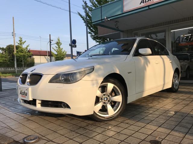 BMW 530iハイライン 黒革・SR・純ナビ・リアシートヒーター