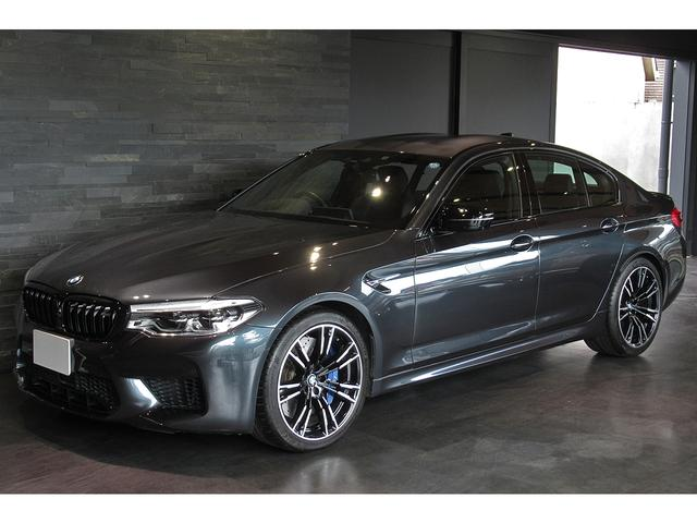 BMW M5 コンフォートPKG ブラックキドニーグリル&ドアミラー ドライビングアシストプラス シンガポールグレー 走行9千キロ