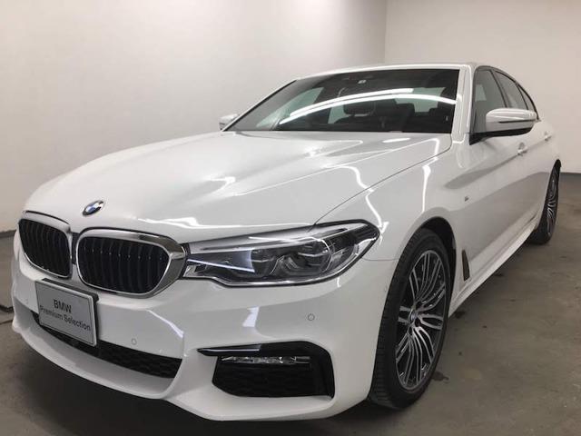 BMW 523i Mスポーツ 衝突被害軽減B トップビュー